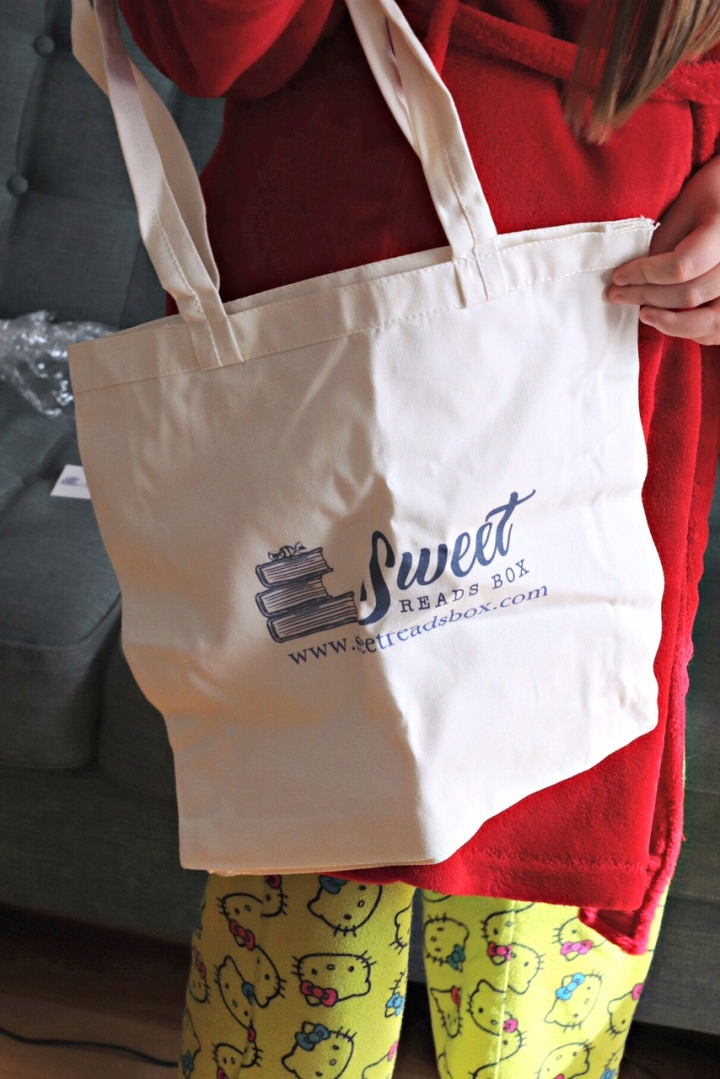 Sweet Reads Box March 18 tote bag