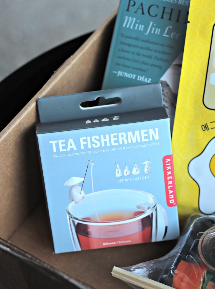 Sweet Reads Box July 2018 Kikkerland Tea Fishermen