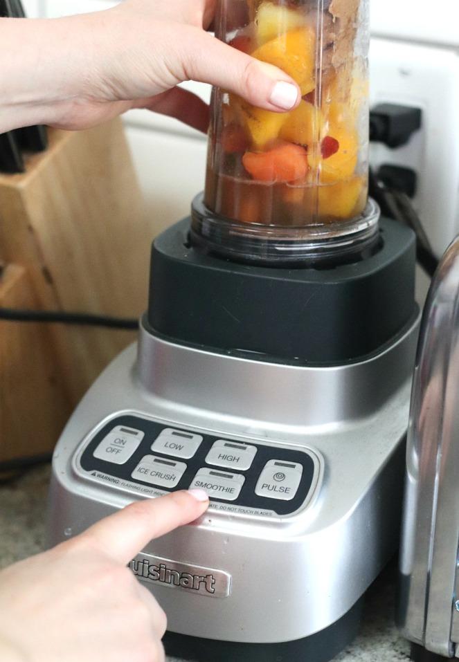 Goodfood Smoothies Mango Goji on the blender