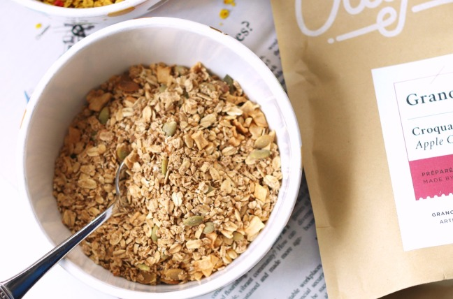 OatBox April 2019 Apple Crunch in bowl