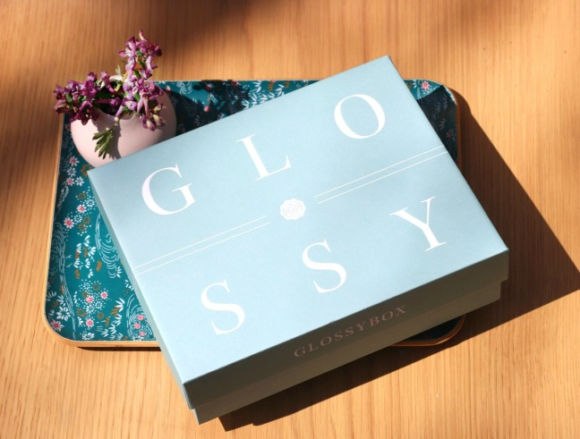 Glossybox April 2019 the box flowers