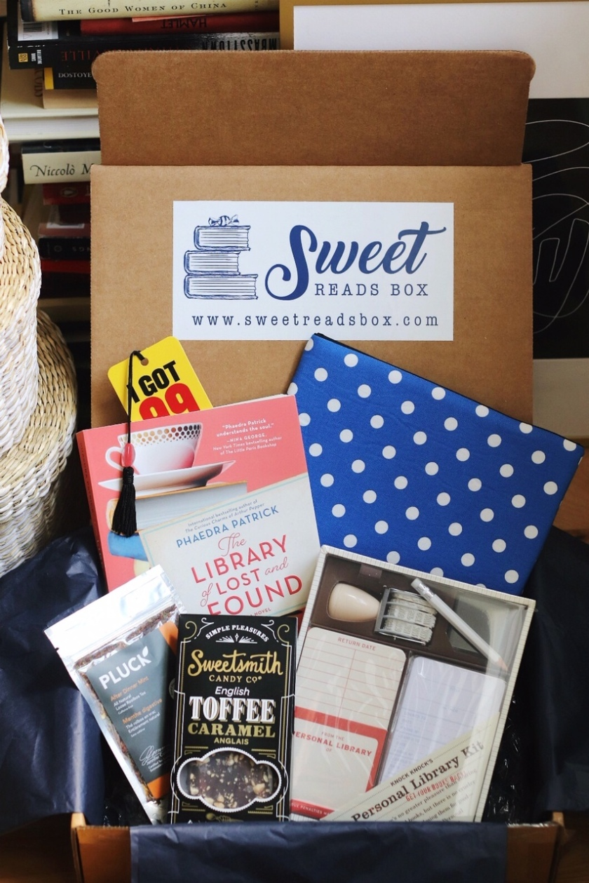 Sweet Reads Box Book Lovers Box full contents open