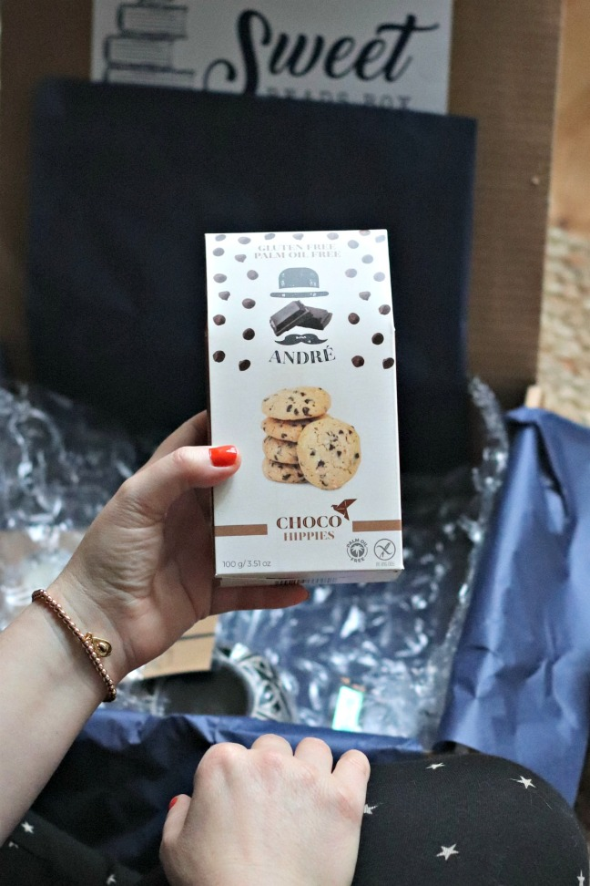 Sweet Reads Box October 2019 Choco Hippies Biscuits