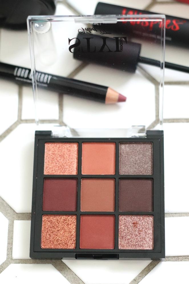 Glossybox November 2019 inside the Styl London Velvet Touch eyeshadow palette