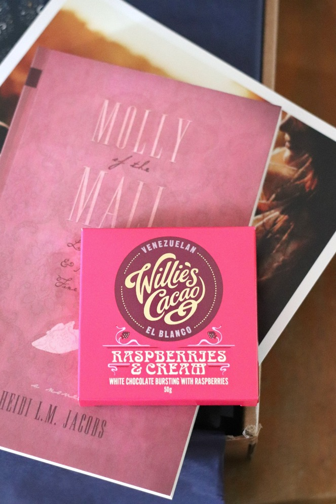 Sweet Reads Box Second Book Lovers Edition Willie's Cacao Raspberries and Cream