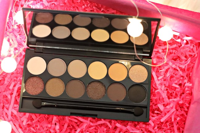 Lookfantastic December 2019 Sleek eyeshadow palette