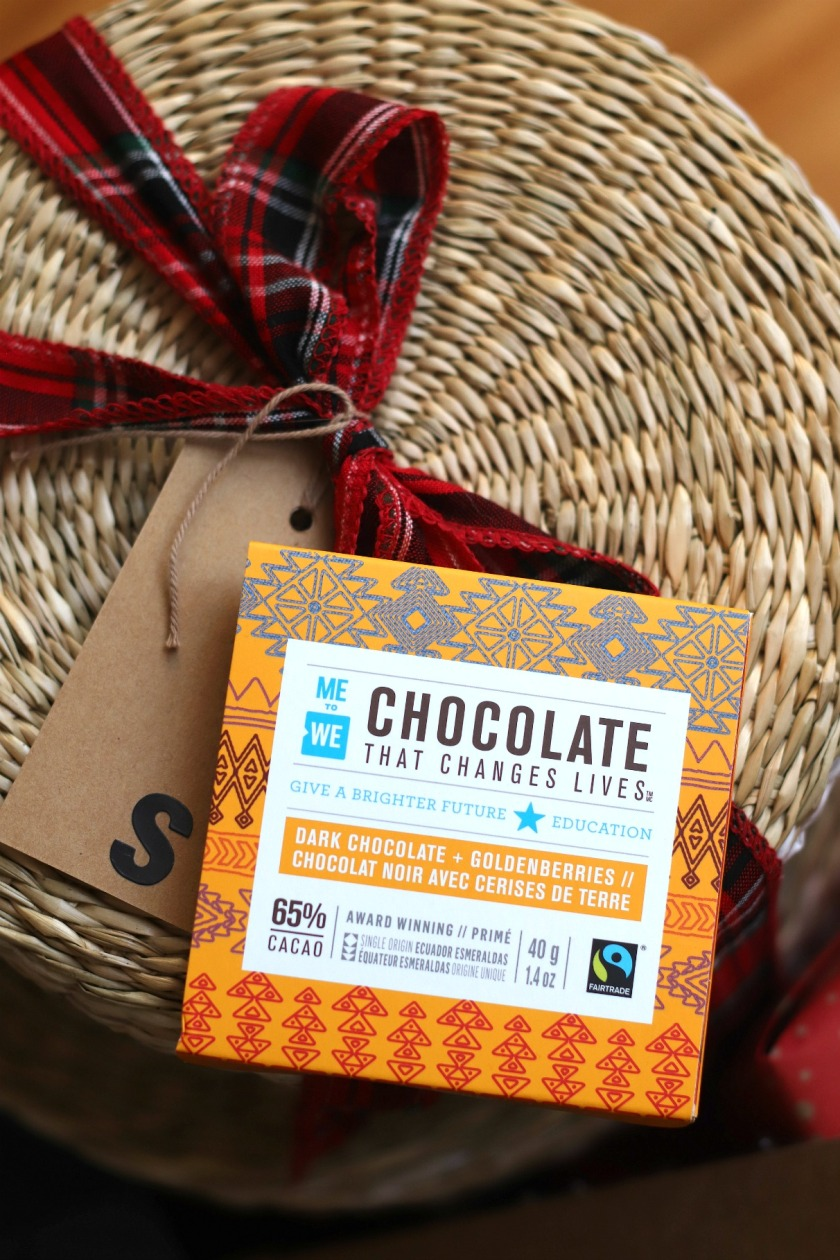 Sweet Reads Box Christmas 2019 Box Me to We chocolate