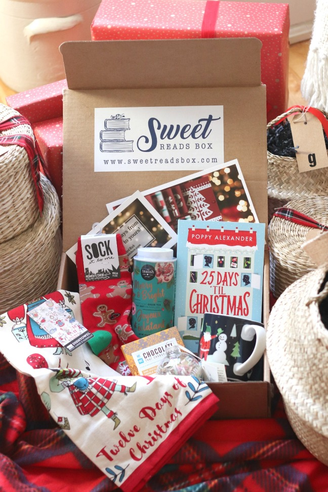 Sweet Reads Box Christmas Box 2019 full contents