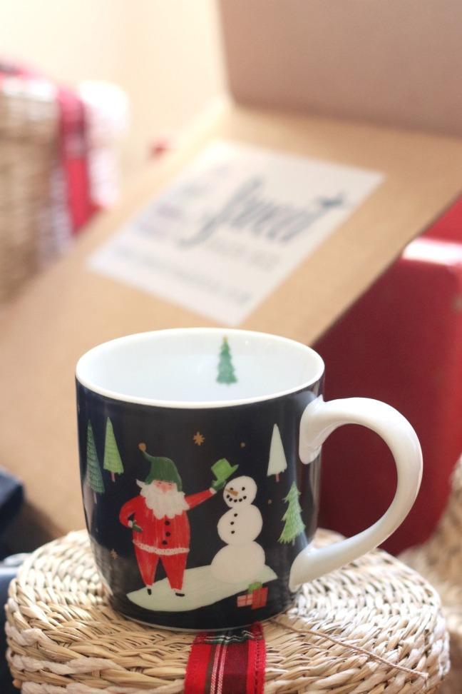 Sweet Reads Box Christmas Box 2019 mug