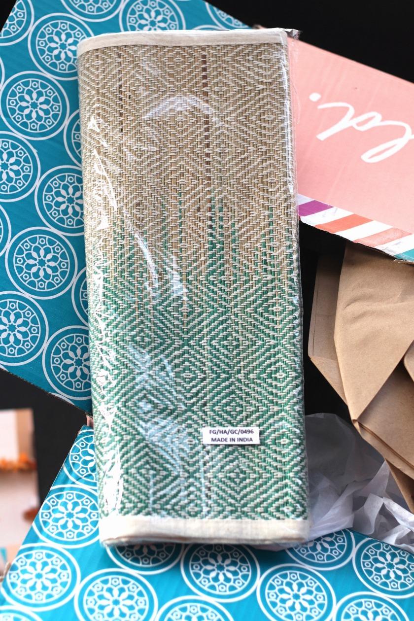 GlobeIn Feast Box Bamboo Table Runner