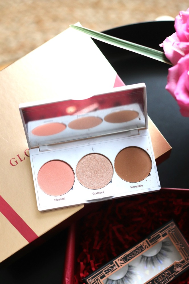 Glossybox December 2019 Realher cheek trio inside