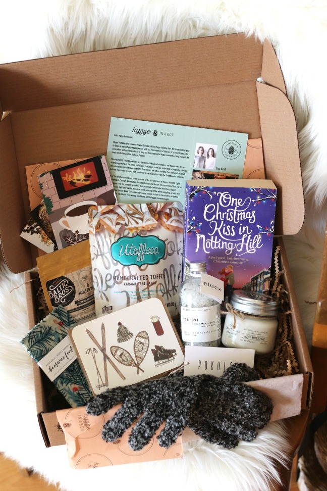 Hygge in a Box Holiday Box 2019 full contents
