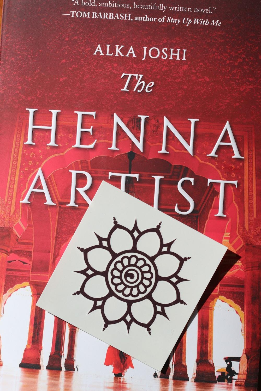 Sweet Reads Box March 2020 henna temporary tattoo