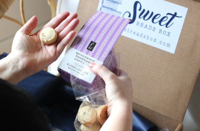 Sweet Reads Box March 2020 lavender cookies