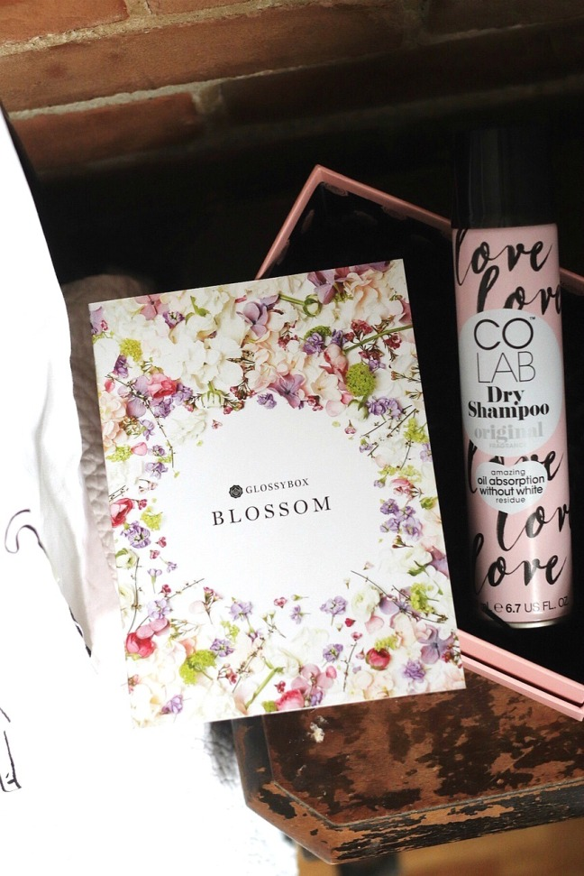 glossybox april 2020 product card and colab dry shampoo original try small things-3