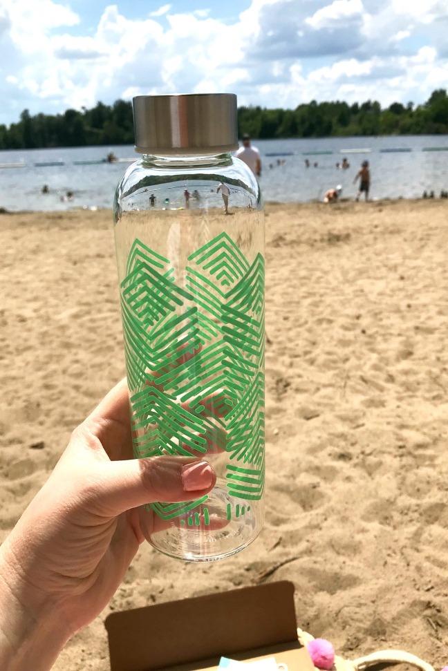 Sweet Read Box Beach Read Box June 2020 Danica Sustain glass water bottle not in package