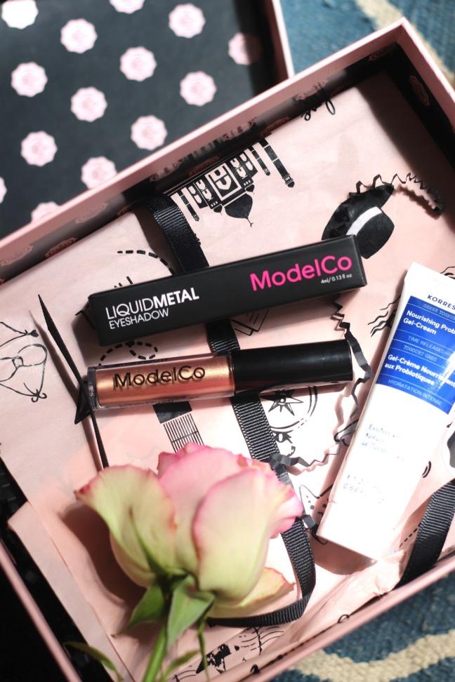 Glossybox June 1010 ModelCo LiquidMetal eyeshadow